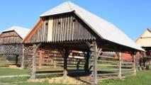 Dežela kozolcev, prvi muzej s kozolci na prostem na svetu